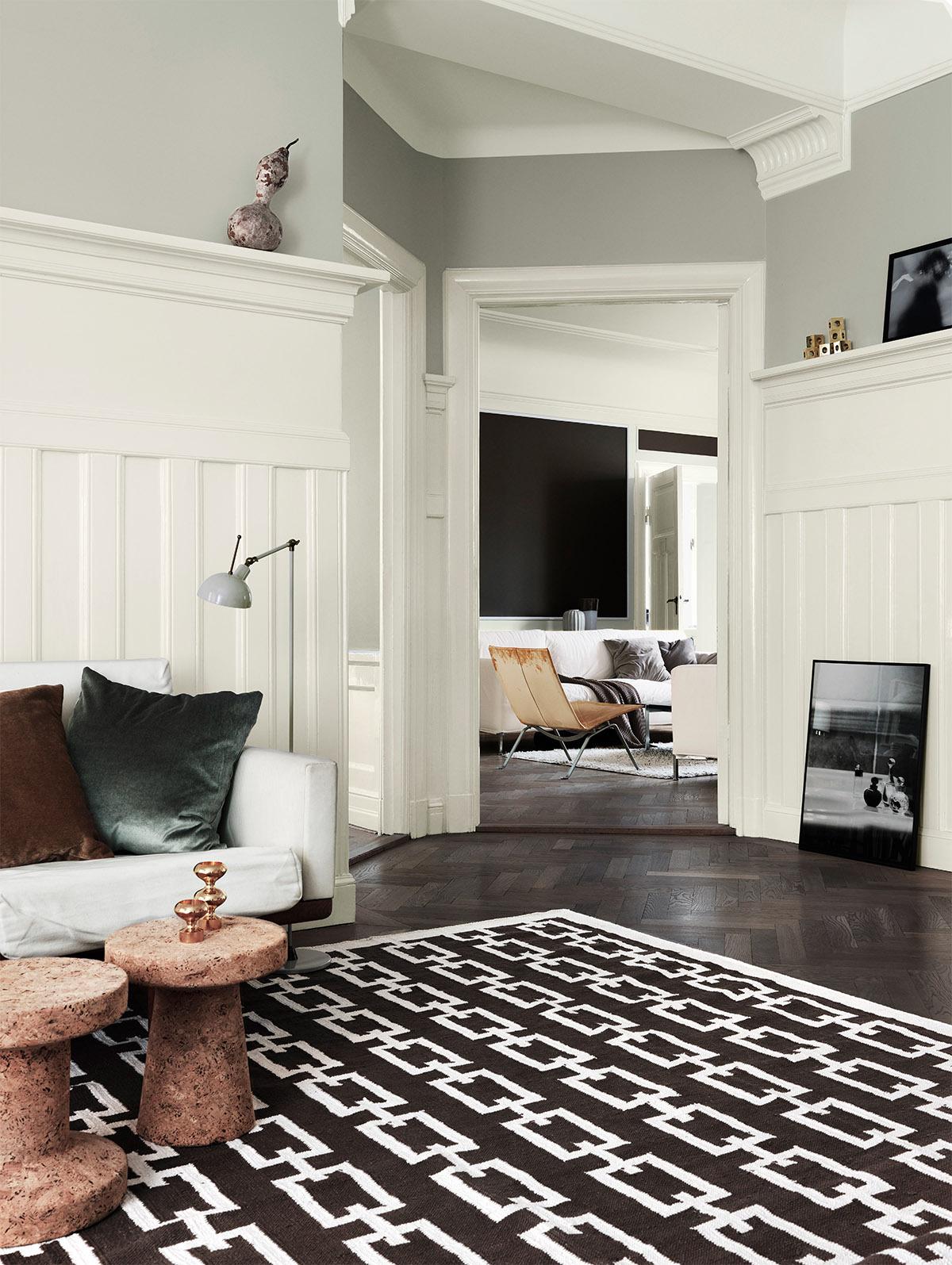 Alcro ad. white & grey